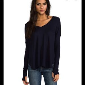 Feel the Piece navy thermal w/ thumbholes top